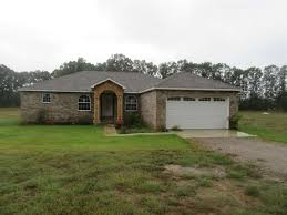 fabulous 3 br 2 ba all brick home sitting on 1 7 acres this