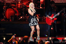 miranda lambert delivers a powerful performance in hartford the
