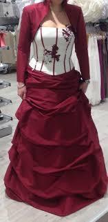 boutique mariage bordeaux robe de mariée composée un boléro bordeaux une jupe bordeaux