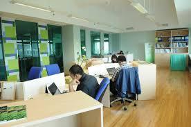 decor oustanding modern office design ideas with wooden flooring