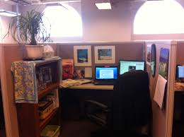 Office Cubicle Design by Cheerful Office Cubicle Decor Dissolving Your Boredom Ruchi Designs