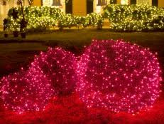 Giant Christmas Yard Decorations by 19 Outdoor Christmas Decorating Ideas Hgtv