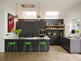 table cuisine avec chaise cuisine avec table integrée deco maison moderne