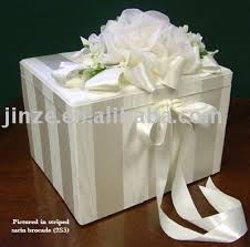 wedding gift box ideas bernadine s green wedding color scheme there are many colors