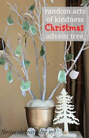 tree branch craft paper and glitter advent tree do 25 random