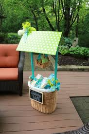 Wedding Shower Hostess Gift Ideas Best 25 Shower Basket Ideas On Pinterest Baby Shower Gift