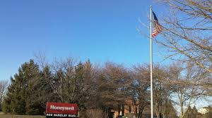 Why Is The Flag American Flag In 40 Mph Wind With Broken U0026 Working Flagpoles