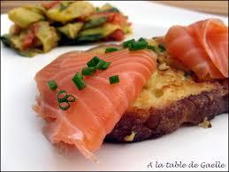 recette cuisine perdu salé perdu au saumon fumé et poêlée de légumes au curry a la table