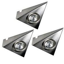 eclairage cuisine sous meuble éclairage triangulaire cuisine