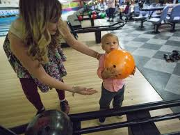 10 pin alley offers free bowling thanksgiving meal to local families