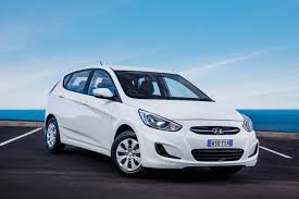 hyundai accent i20 refreshed 2015 hyundai accent replaces i20 practical motoring