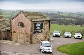 land rover experience defender 4x4 off road driving and professional 4x4 training land rover
