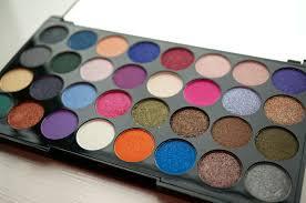 makeup revolution eyes like angels palette www makeupmusthaves