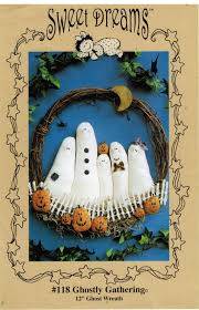 sweet dreams halloween ghost and pumpkin wreath wall hanging