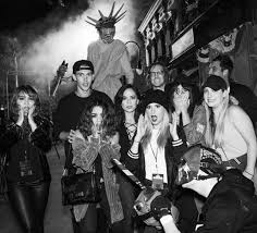 universal studio halloween horror nights 2016 celebrities get spooked at universal studios u0027 halloween horror