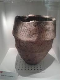 burial urn bronze age burial urn picture of ribchester museum