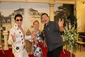 elvis wedding in vegas las vegas elvis wedding chapel elvis weddings call 702 221 5683