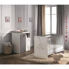 chambre bebe winnie l ourson chambre enfant winnie tour de lit bacbac sauthon interieur de ronde