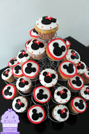 Mickey Minnie Bathroom Decor by Mickey And Minnie Mouse Cupcakes Pastelerina Pinterest