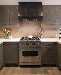 plan cuisine moderne cuisine taupe 51 suggestions charmantes et très tendance