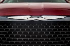 chrysler grill fiat chrysler reorganizing unveil new logo and 2013 earnings