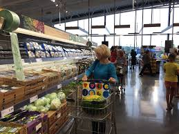 the retail apocalypse is coming for grocery stores business insider