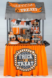 Halloween Party Decorations For Adults by Best 10 Halloween Table Decorations Ideas On Pinterest