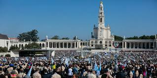 pilgrimage to fatima with pilgrim in and in peace francis in fatima