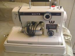 white model 445 precision built zig zag sewing machine carry case