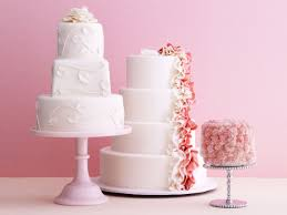trending classy and easy watercolour cake ideas for weddings and