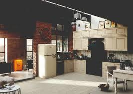 kücheneinrichtung mit hausgeräten vom smeg im 50 u0027s style und