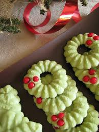 holly wreaths for the 12 days of christmas dinners dishes and