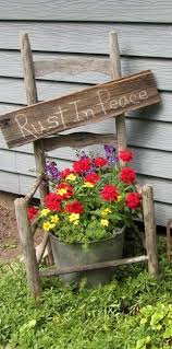 Backyard Decor Pinterest Best 25 Primitive Garden Decor Ideas On Pinterest Country