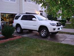 lifted nissan frontier white lift and tire central pics post u0027em up page 2 toyota