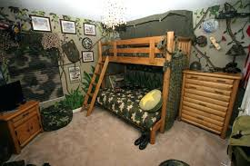 how to decorate your cam room bedroom by samantha38g camoflage bedroom build a log bed camouflage room decor ideas