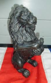 antique bronze lion bronze lion