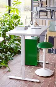 Ikea Sit Stand Desk by Zitten Of Staan Met Het Skarsta Zit Stabureau Hoef Je Niet Te