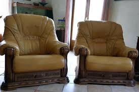 canape cuir rustique canape cuir et bois rustique salon st marcellin fair t info
