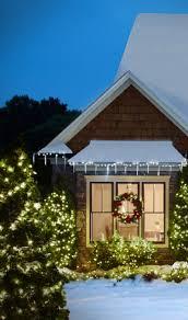 window wreaths home décor ideas evergreen wreaths on windows hubpages