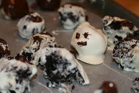 halloween chocolate balls boo spooky oreo truffles la phemme phoodie