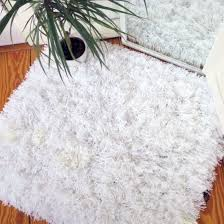 How To Make A Area Rug Learn How To Make Your Own Fluffy Area Rug With Yarn Wool And