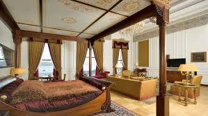 Traditional Master Bedroom Decorating Ideas Bedroom Classic Bedroom Vanity Drawers Plant In Vase Wood Rug
