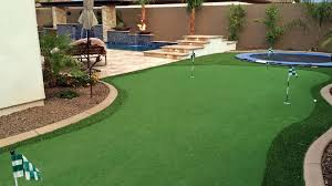 custom putting greens for your backyard using artificial turf
