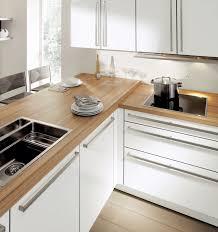 cuisine blanc laqué et bois cuisine blanc laque plan travail bois idées uniques plan de travail