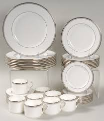 special offer on select lenox dinnerware sets at replacements ltd
