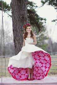 funky wedding dresses best 25 funky wedding dresses ideas on barefoot