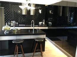 carrelage cuisine noir brillant carrelage cuisine noir brillant cuisine carreaux de metro noirs