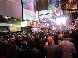 times square new years hotel packages doubletree on left this is the view from 47th looking at broadway