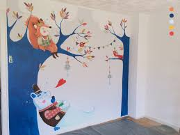 fresque murale chambre d enfant un ours fait une sieste à l