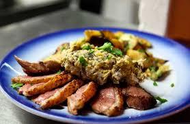 cuisiner les magrets de canard restaurant chez papa à 13ème le magret de canard au confit de